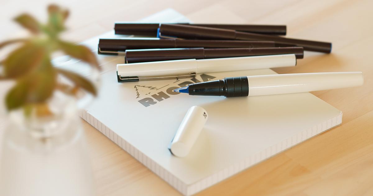 隙のない愛用ペン。ぺんてるの筆記具、プラマン
