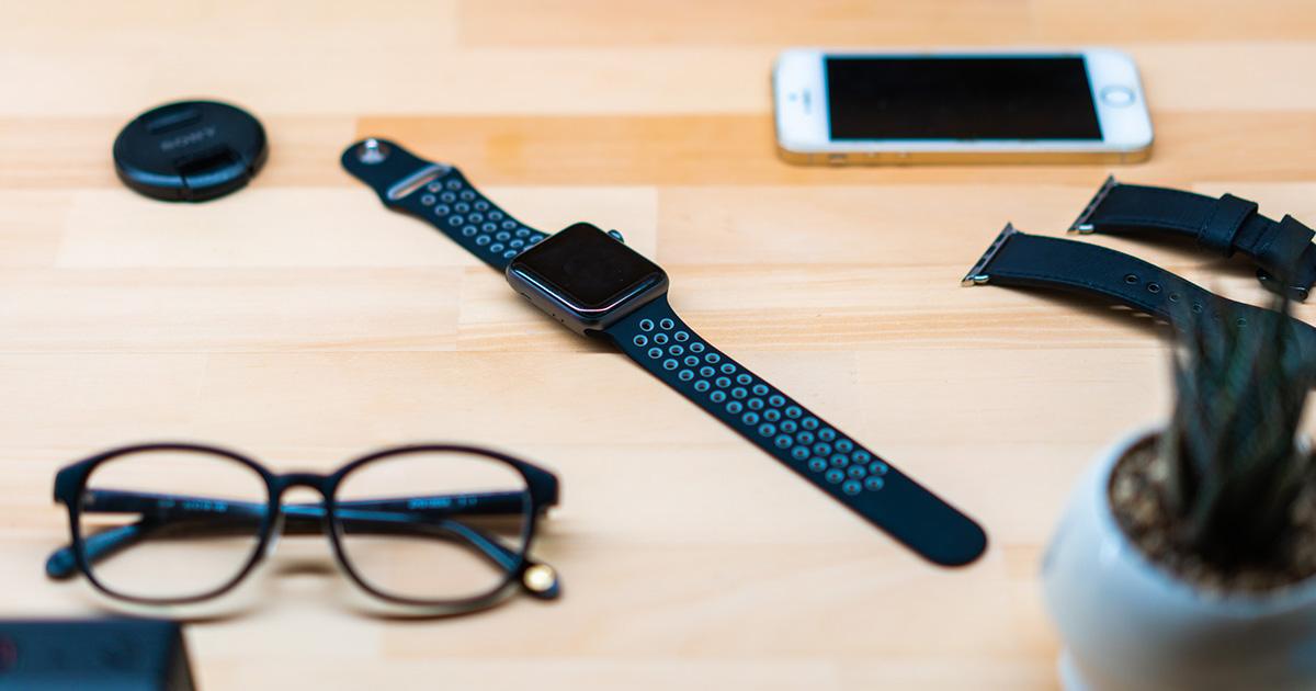 夏なのでApple Watchのバンドをゴムの安っすいのにしてみたけど、すげーよく出来てる