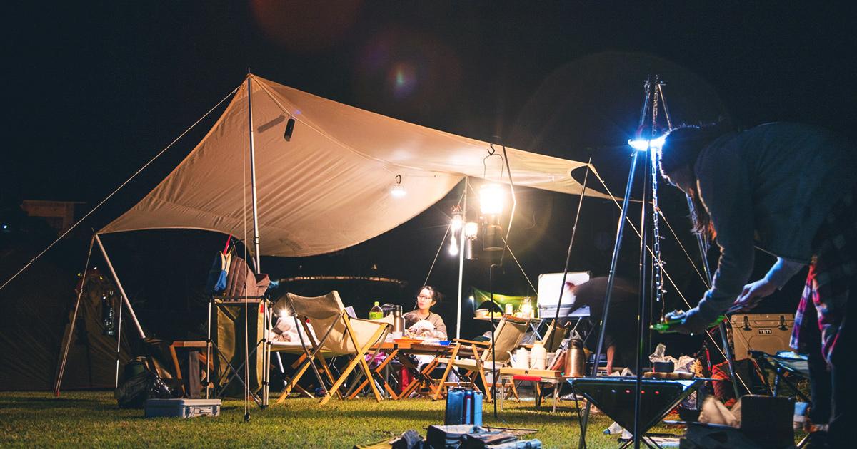 明るいタープ下で夜だってのんびりしようよ。LEDランタン「ルーメナー7」